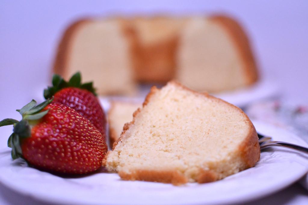 golden pound cake 065